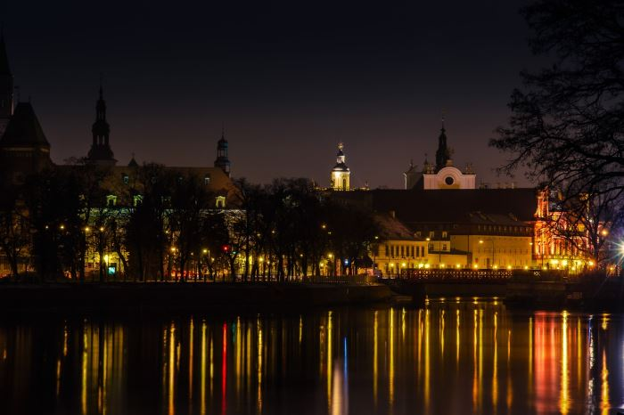 UM Wrocław: Capitol z jedną premierą w 2021 roku