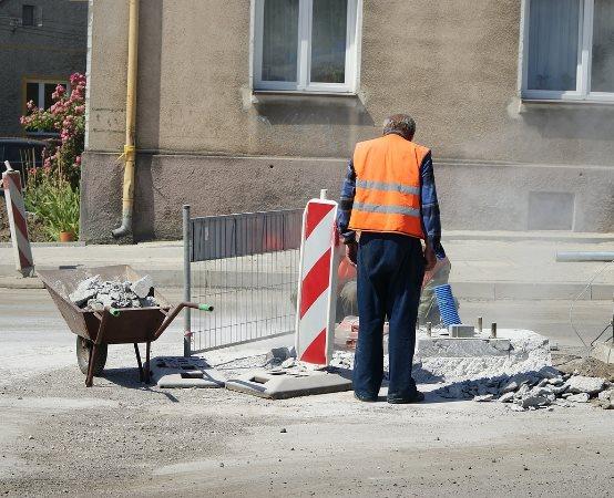 ZDiUM Wrocław: Weekendowe utrudnienia w ruchu na Średzkiej. Awaria MPWiK